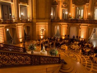 From outdoor venues with stunning views of the Bay to some of the most luxurious ballrooms, San Francisco is the perfect place to get married. Make your wedding day unforgettable at one of these fabulous San Francisco wedding venues.