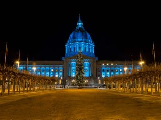 See San Francisco in its holiday splendor with these great seasonal tours.